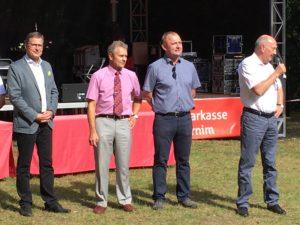 Eröffnung des 4. Parkfestes mit dem Bundestagsabgeordneten Jens Koeppen, Vizelandrat Carsten Bockhardt, Vereinsvorsitzender Danko Jur und Bürgermeister Friedhelm Boginski